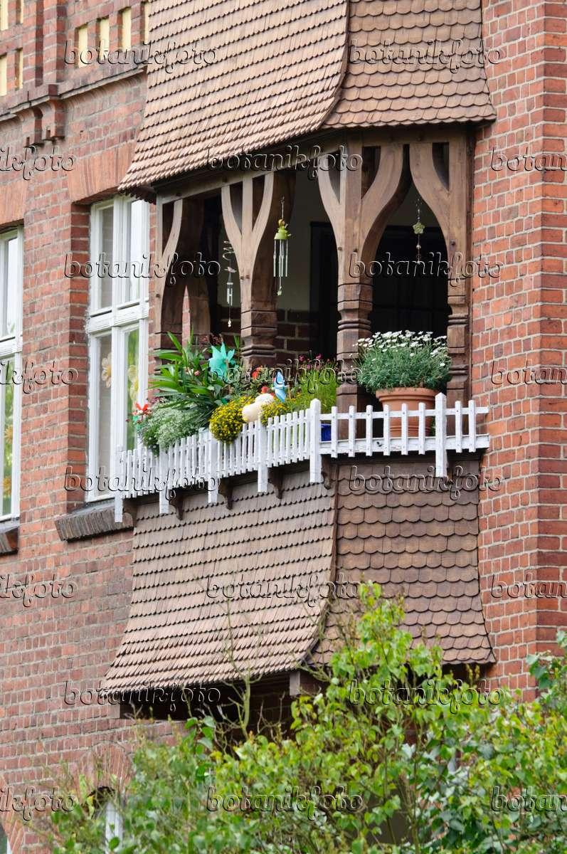 bild balkon mit sommerblumen 475019 bilder und videos von pflanzen und g rten botanikfoto. Black Bedroom Furniture Sets. Home Design Ideas