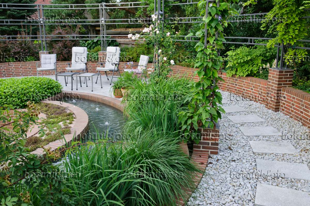 Gräsergarten Bilder bild gräsergarten mit wasserbecken 509148 bilder und