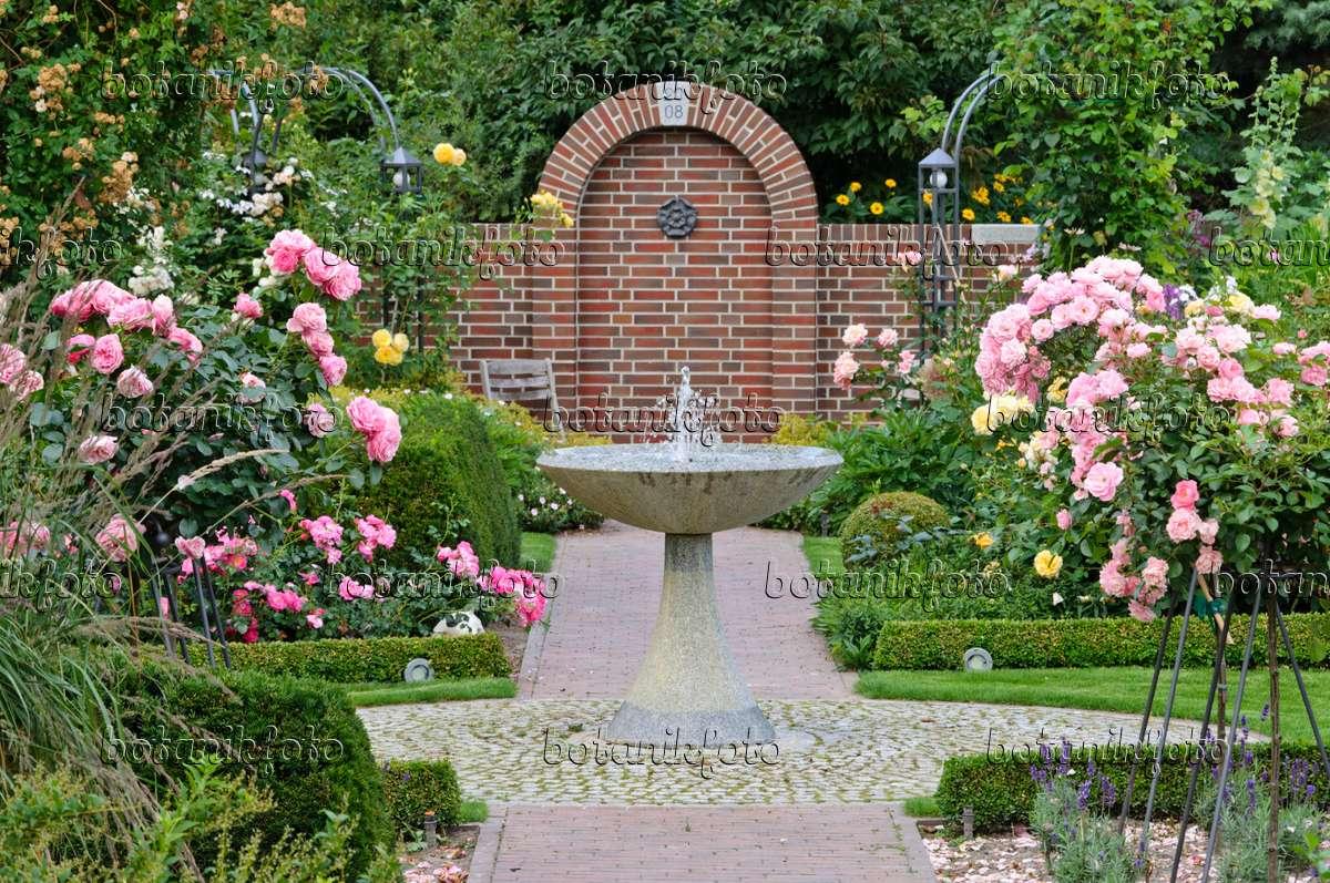 Lieblings Bild Rosengarten mit Granitbrunnen und Hochstammrosen - 474053 #PE_59