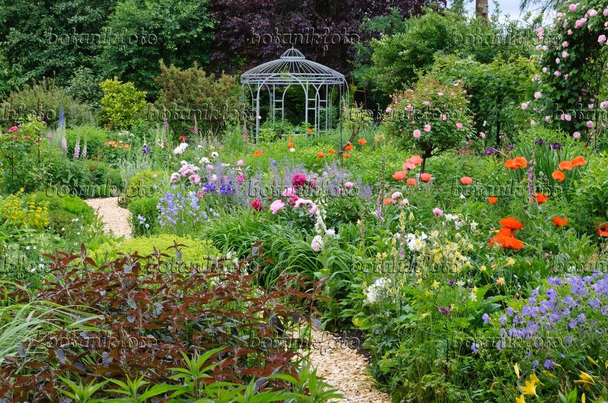 Bild Staudengarten Mit Pavillon - 473090 - Bilder Und Videos Von ... Garten Pavillon Tropische Pflanzen