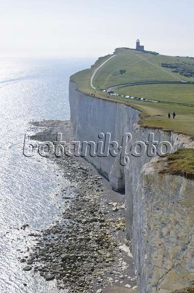 Image Belle Tout Lighthouse and chalk cliff, Beachy Head